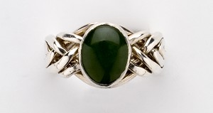 6JN Nephrite Jade Ladies Puzzle Ring
